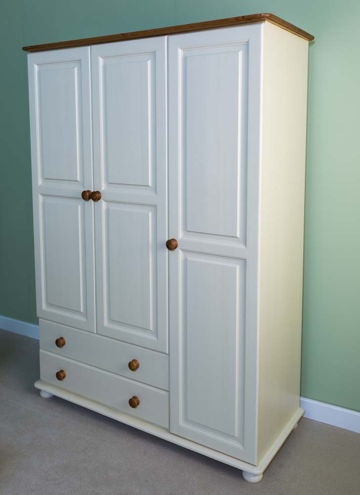 wiltshire 3 Door 2 Drawer Gents Triple Robe
